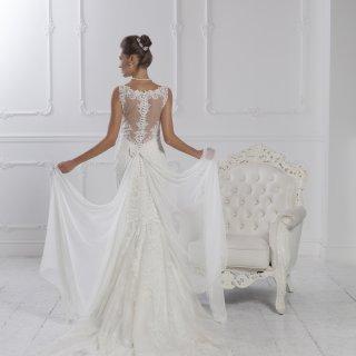 Vestito da sposa con schiena in pizzo