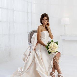 4ffa4927fc8f Vestiti da sposa 2019 confezionati da Rovi Sposi Monza Brianza