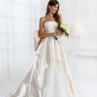 6195917a25e6 Vestiti da sposa 2019 confezionati da Rovi Sposi Monza Brianza