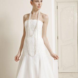 Vestito da sposa con corpetto vita bassa
